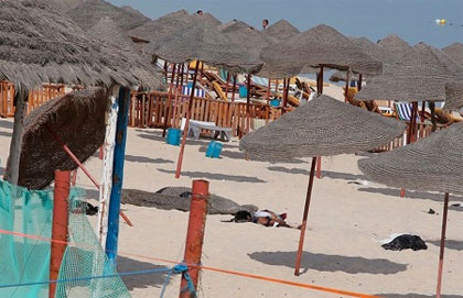 Les vacanciers britanniques en Tunisie ont été appelés à faire preuve de vigilance après l'attentat-suicide