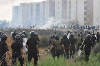 Les forces de sécurité ont évacué les habitations voisines de celle où s'abrite les terroristes