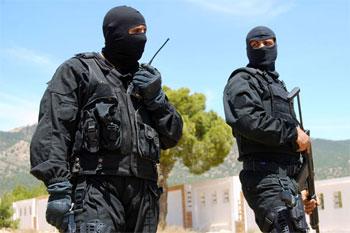 Des témoins sur place ont indiqué à Africanmanager que deux terroristes se sont rendus aux forces de sécurité . Ces mêmes sources ont