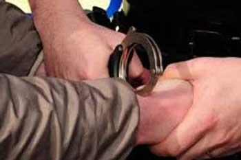 Les unités de la Garde nationale de Sidi Bouzid ont arrêté un individu en possession de 460 cartons de pétards contenant chacun