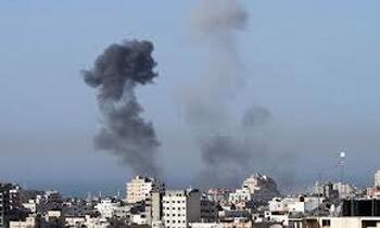 L'armée israélienne a annoncé lundi reprendre ses raids sur la bande de