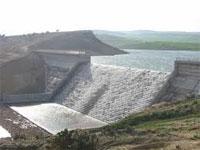 Les travaux de construction du barrage de l'Oued El Kébir