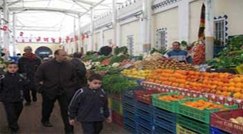 Les services du contrôle économique ont multiplié les opérations de contrôle afin de mettre fin aux dépassements menés commis par un grand nombre commerçants dans les marchés tunisiens. Selon les derniers chiffres communiqués par ministère du Commerce et de...