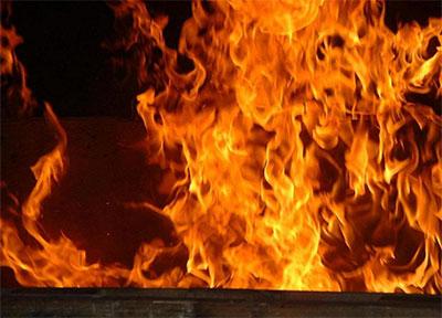 Les unités militaires évacuent depuis lundi soir les habitants — Incendies à Jendouba
