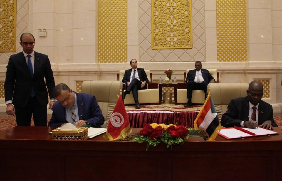 Youssef Chahed rencontre Omar Hassan Al Bashir à Khartoum