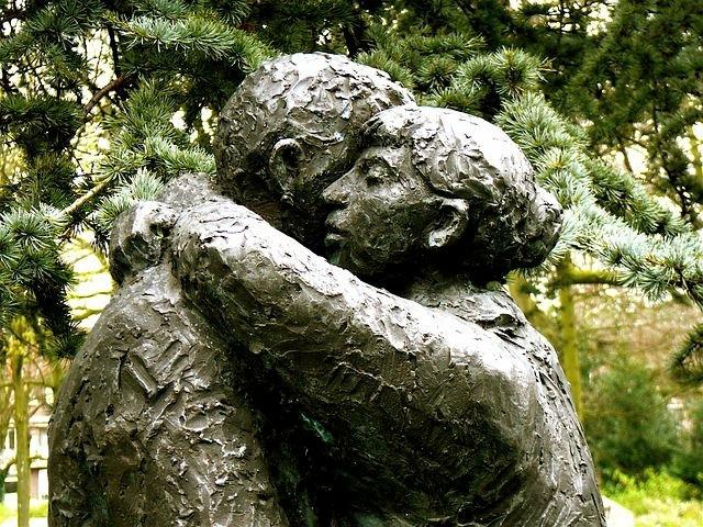 A statue of a hug of forgiveness