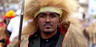 Funeral for assasinated Oromo singer begins, thousands kept out