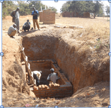 Workers in pit malawai dowa