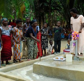 ghana women at well opening