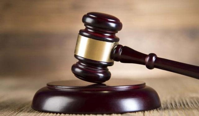 Student remanded in prison for robbery