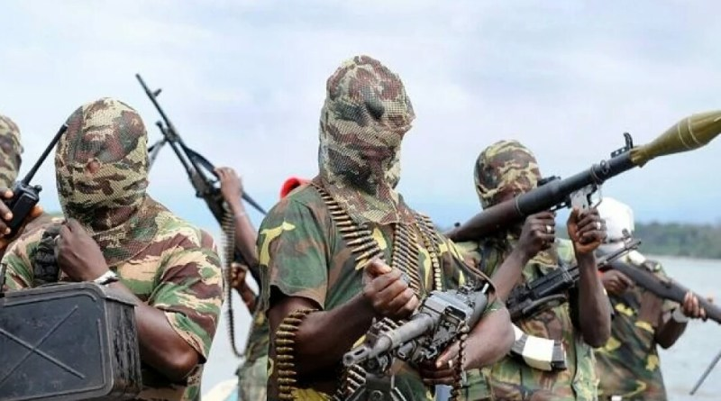 Gunmen kidnap 14 passengers in Rivers State