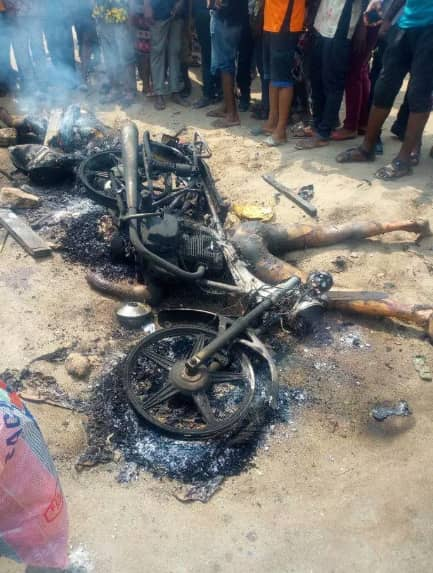 Angry youths set killers of Tricycle (Keke) driver ablaze