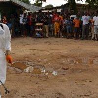 Ebola : la Française contaminée bientôt rapatriée à Paris
