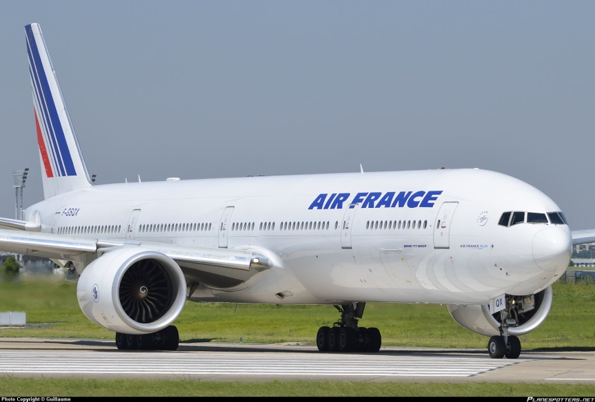 F-GSQX-Air-France-Boeing-777-300_PlanespottersNet_2988191