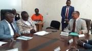 Jean-Marie Ogandaga et les membres de la Fesyrefaa