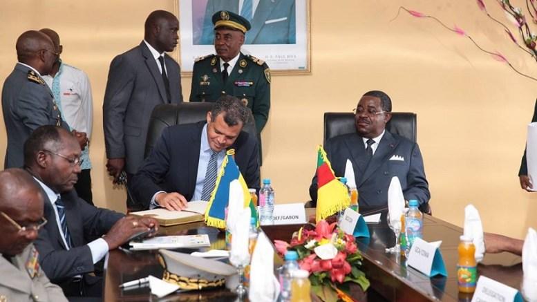 Etienne Massard Kabinda Makaga et Joseph Béti Assomo