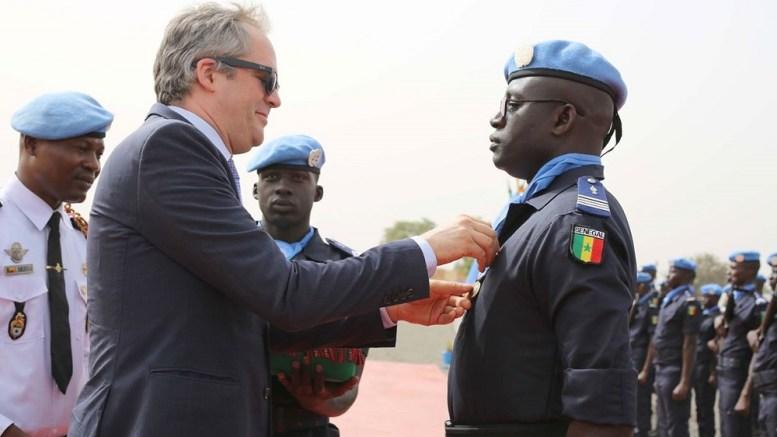 Près de deux cents policiers sénégalais décorés au Mali