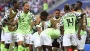 Le Nigeria tape l'Islande