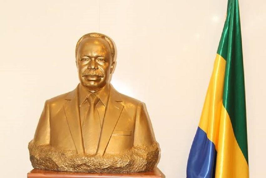 Un buste en or massif à l'honneur d'Omar Bongo Ondimba