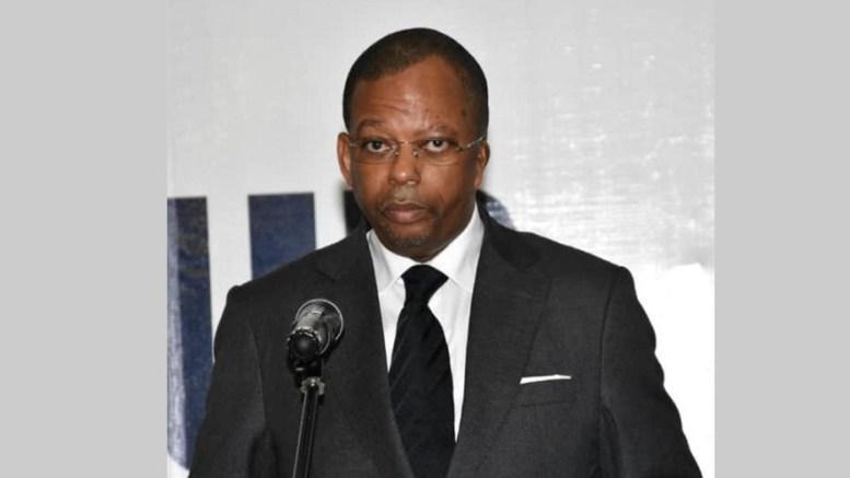 Anicet Mboumbou Miyakou et les magistrats