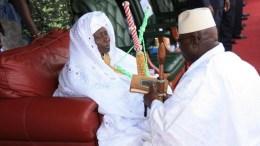 Yahya Jammeh et sa mère