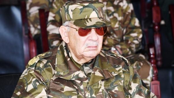 Algérie. L'armée dénonce des détournements de fonds publics aux