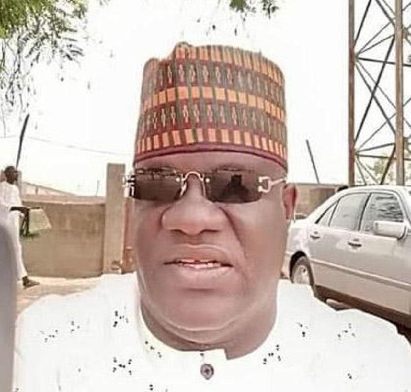 Un « gouverneur du Nigeria » se dispute avec un mécanicien dans la rue (Vidéo)