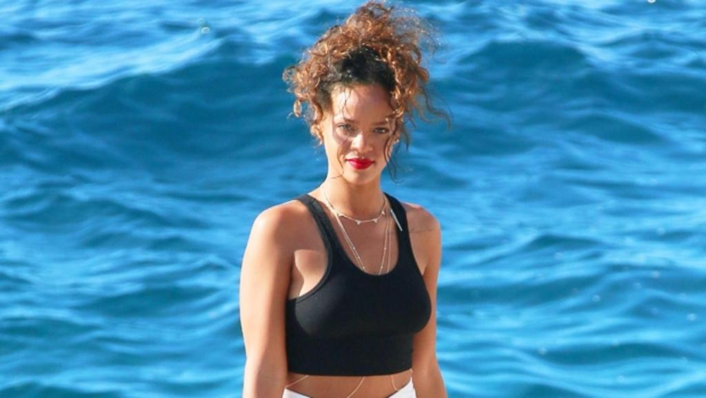 Rihanna livre géant Queen Size