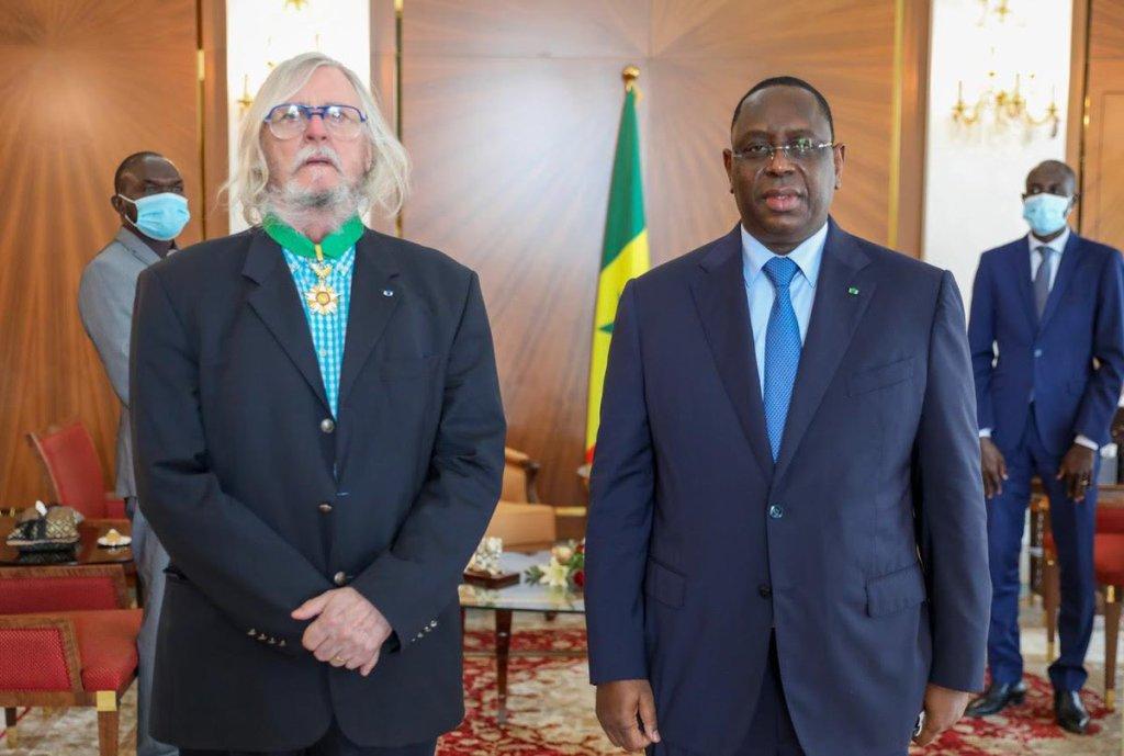 Didier Raoult décoré Sénégal président ministre