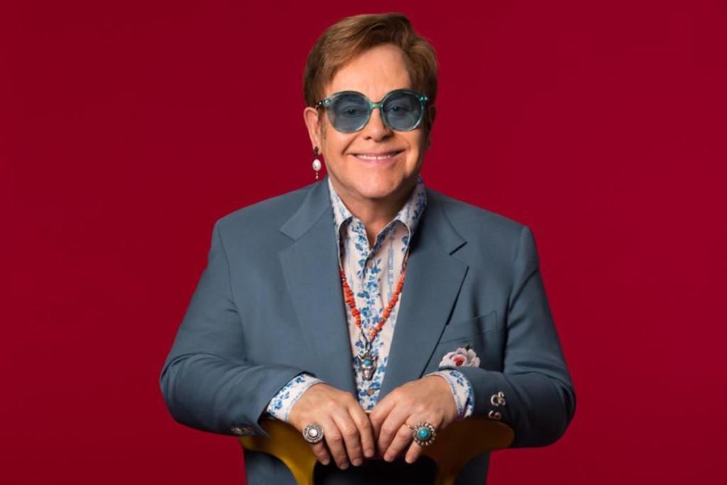 Elton John artiste fête 74 ans mari manoir
