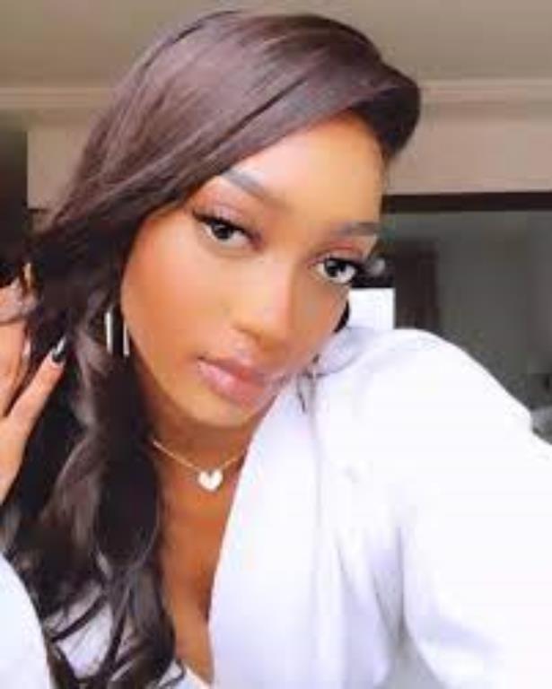 Gueneba Diomande.Eunice Brown 2 miss battent un homme