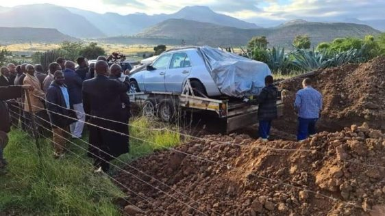 Politician Buried in His Beloved Mercedes