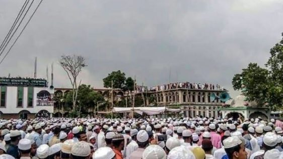 Tens of thousands defy Bangladesh lockdown for imam's funeral