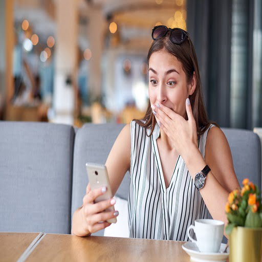 Signs to know that He is Interested, first date