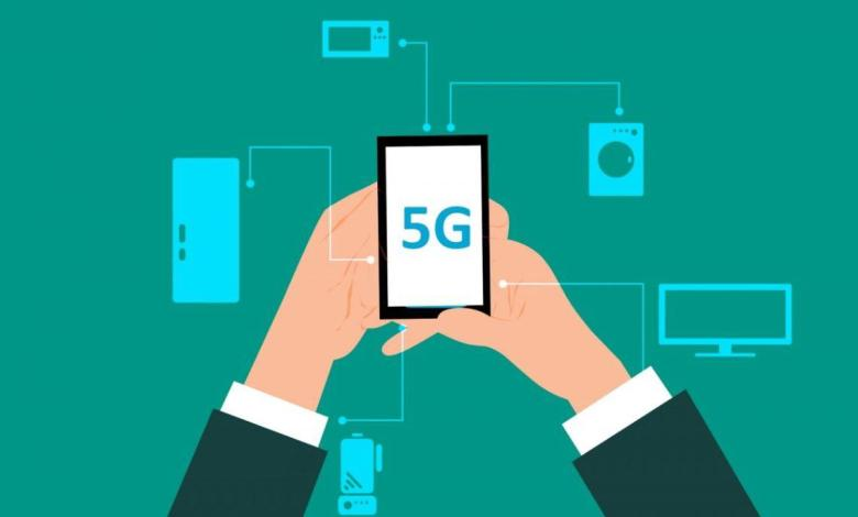 The first 5G networks in some countries are operational, and the first smartphones with which you can access that high-speed network are in the shops. Is it time to jump on the cart yet?