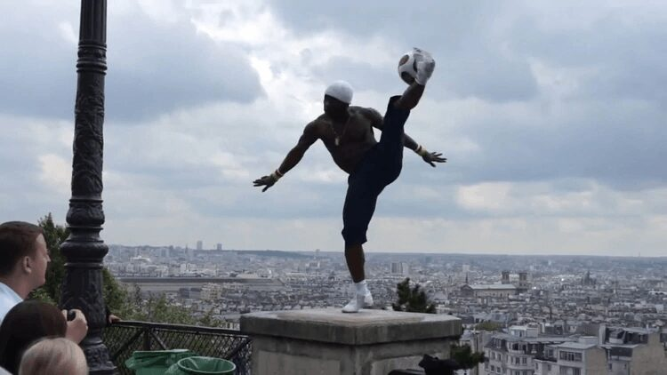 Videos of Iya Traore, former footballer of PSG, continue to dazzle