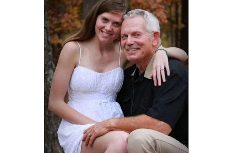 """Samantha (19) married to Jr (62): """"They call him a pedophile, that must stop"""""""