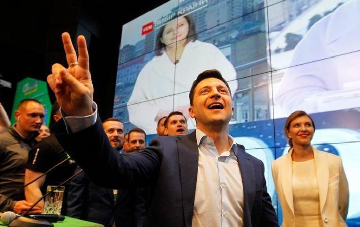 Comedian Volodymyr Zelensky becomes president of Ukraine