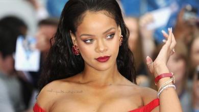 Rihanna under fire after using Islamic lyrics in lingerie show
