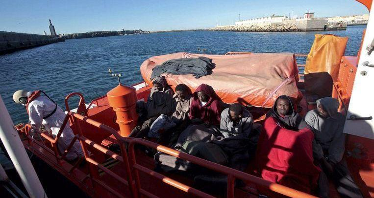 Moroccan naval power rescues 242 migrants from inflatable boats