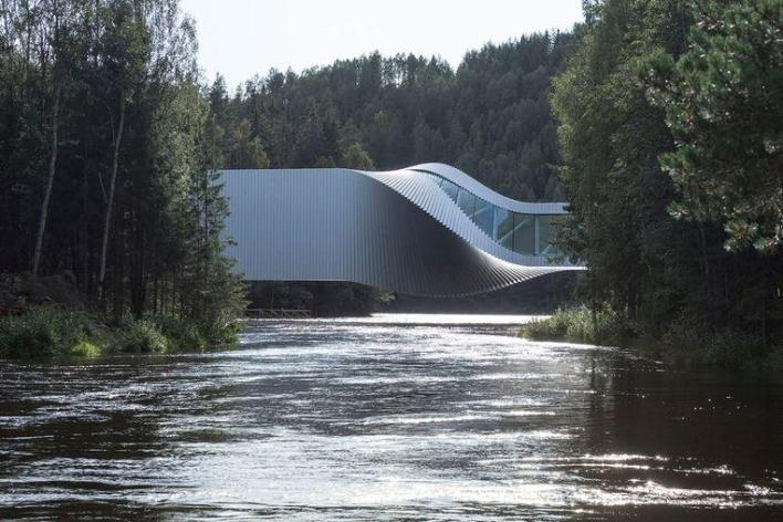 This is perhaps the most beautiful pedestrian bridge in the world