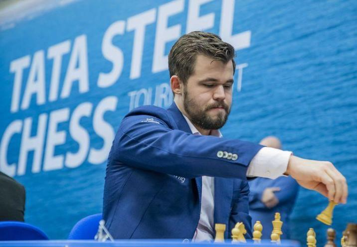 Magnus Carlsen from Norwegen plays against Anish Giri in the first round of the TataSteel Chess Tournament