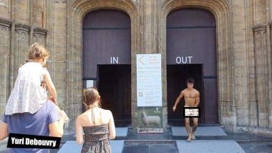 """Man without clothes in the church: """"Do it all over again for perfect shot"""""""