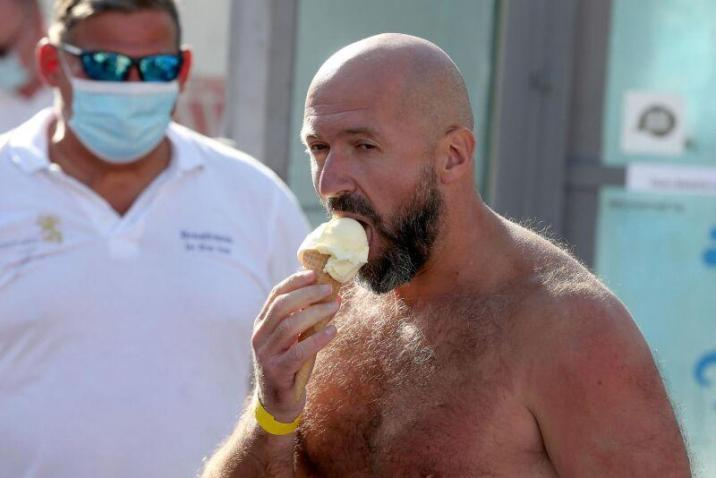 Josef Koeberl decided to celebrate his victory uniquely: by eating … an ice cream.