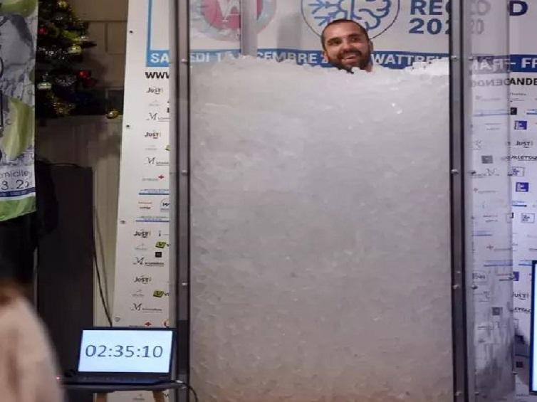 'sitting in ice cubes': man spends over 2.5 hrs, breaking the world record