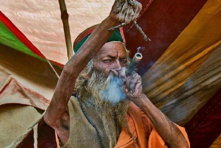 Sadhu Amar Bharati held his hand up for 45 years
