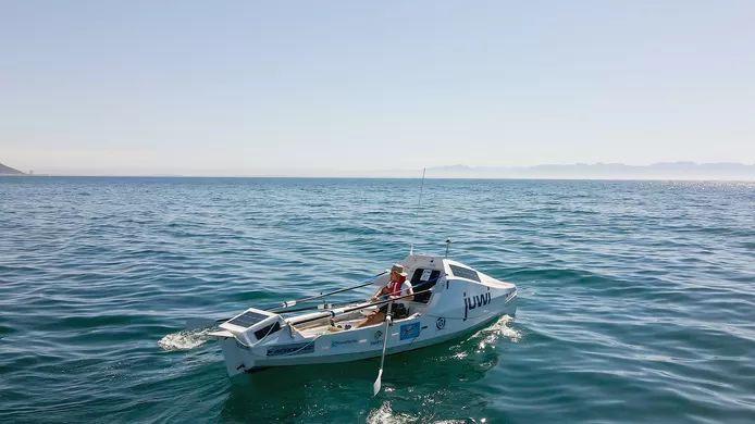 Solo sailor Zirk Botha (59)