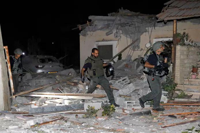 Damage in Yehud, near Tel Aviv after Palestinian missile attacks.