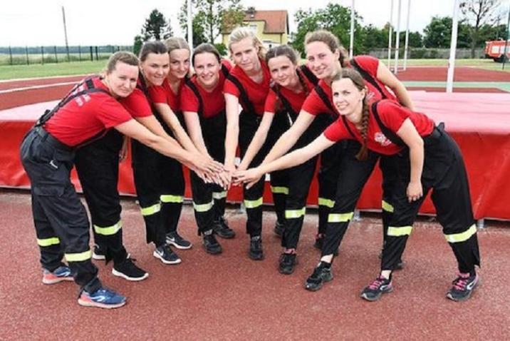 All-girl fire brigade in Miejsce Odrzańskie