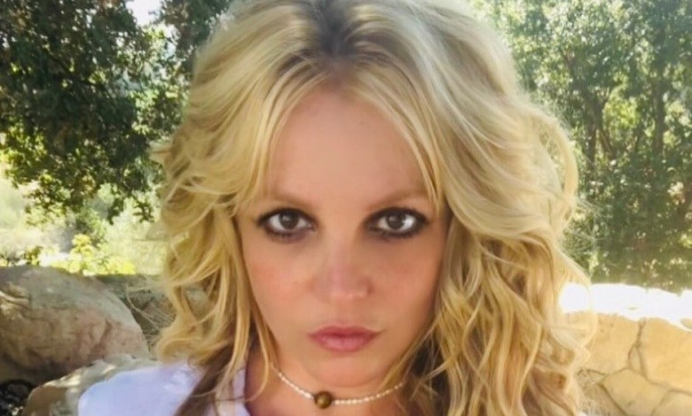 """Britney Spears lashes out at 'hypocritical' family and friends: """"now you care"""""""